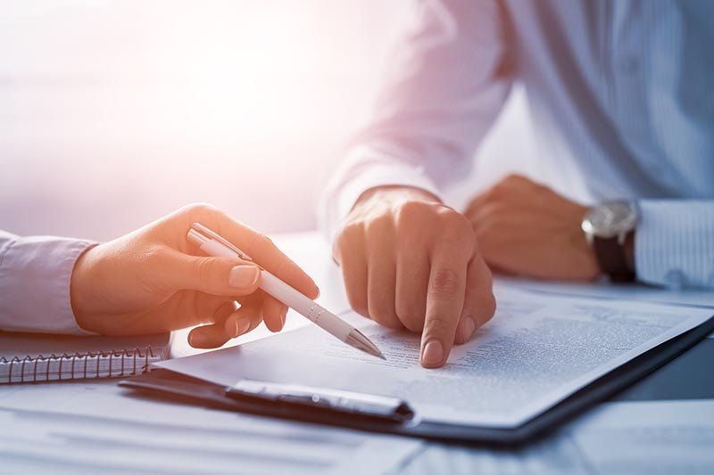 Your Guide to the Key Services That a Corporate Lawyer Can Provide