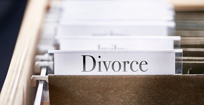 How Can an Edmonton Family Lawyer Help Me With My Divorce?